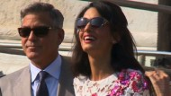 Clooney frisch vermählt: Öffentlicher Auftritt mit Ehefrau Amal
