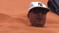 Eingebuddelt im heißen Wüstensand