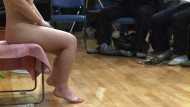 Japans Männer lernen körperliche Liebe