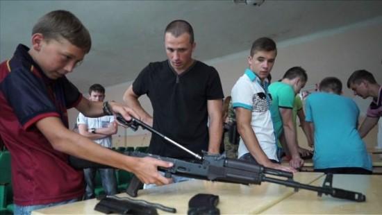 Rebellen trainieren Kindersoldaten