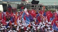 Erdogans zweiter Wahlversuch spaltet das Land