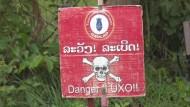 Amerikanische Bomben machen Laoten noch immer zu Krüppeln