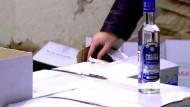 Russland bekämpft die Schwarzbrennerei