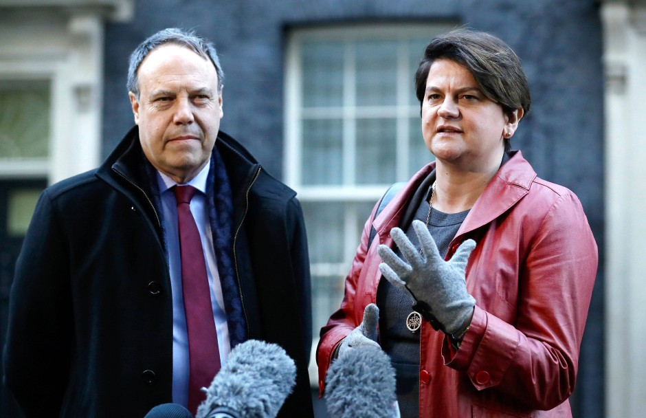 Die DUP-Politiker Nigel Dodds und Arlene Foster im Januar in London