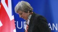 Nach der ersten Runde in der Konservativen Fraktion der Wahl zum Nachfolger von Theresa May sind drei der zehn Kandidaten ausgeschieden.