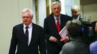 Mit dabei: Brexit-Minister David Davis mit dem EU-Chefunterhändler Michel Barnier