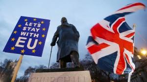 Brexiteers reichen May die Hand