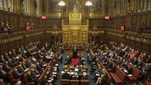 Britische Regierung gibt im Streit um No-Deal-Gesetz nach