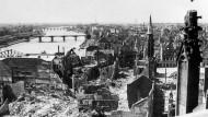 Blick vom Dom auf Frankfurt nach Kriegsende und heute