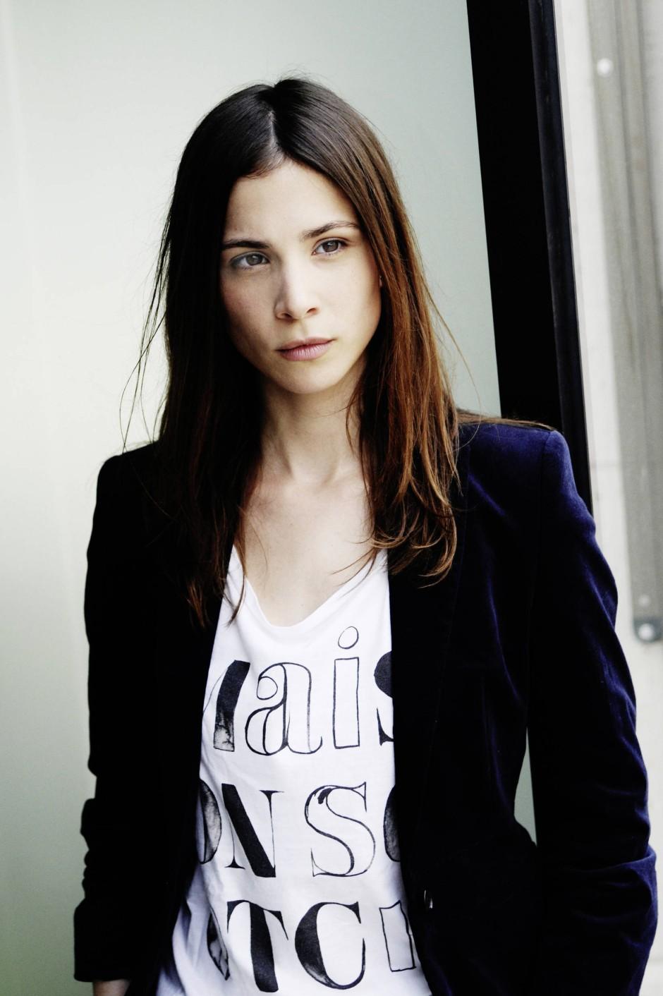 Aylin Tezel Sexy
