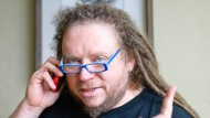 Jaron Lanier points out possibilities to resist the seemingly almighty Google.