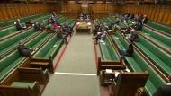 So wird es schwierig in der Diskussion: schwache Besetzung im britischen Unterhaus