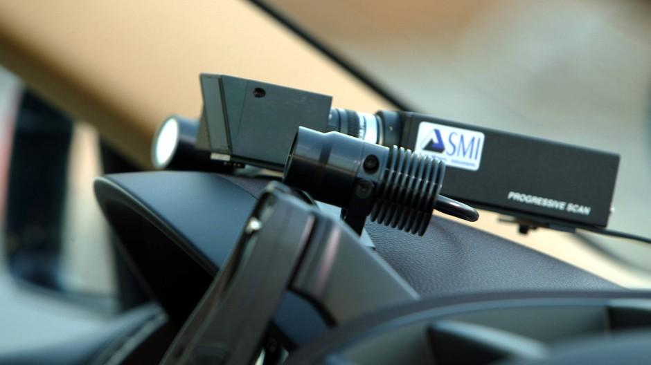 Vor mehr als fünfzehn Jahren war es noch auffällig: System der Aufmerksamkeitskontrolle im Innenraum eines Volkswagen.