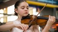 Hochbegabt und gefährdet: Nachwuchsmusiker mit früher künstlerischer Reife müssen viele kritische Jahre überwinden