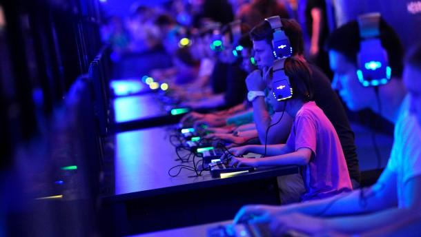 Besuchertag auf der Computerspiele-Messe Gamescom