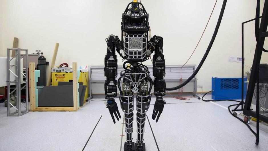 """Multitalent: Roboter """"Atlas"""" kann Mitleid erregen – und birgt trotzdem Gefahren."""