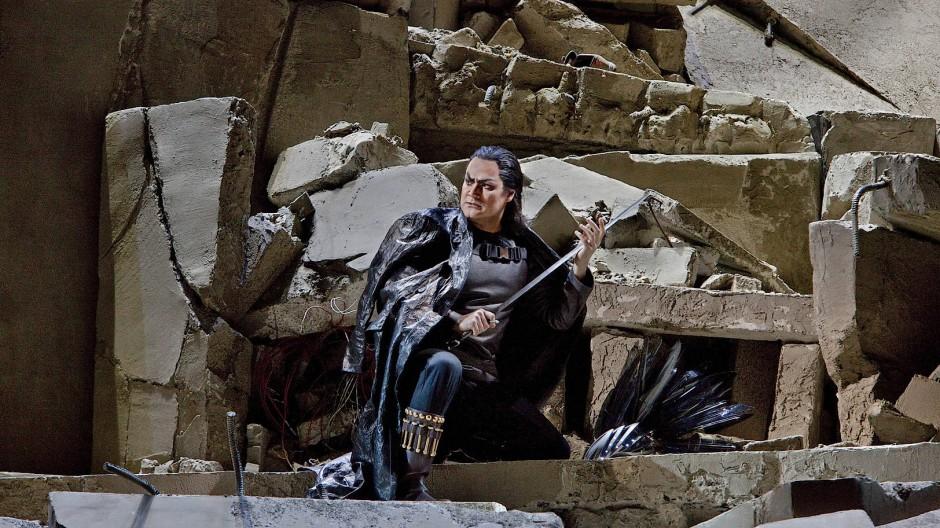 """Vor zehn Jahren war die Welt an der Met noch in Ordnung: Ildar Abdrazakov in Giuseppe Verdis """"Attila""""."""