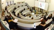Blick in den Hörsaal des Instituts für Anatomie und Zellbiologie am Universitätsklinikum der Martin-Luther-Universität