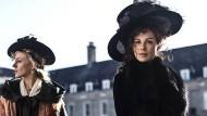 """Mutter und Tochter: Kate Beckinsale und Chloe Sevigny in """"Love & Friendship"""""""