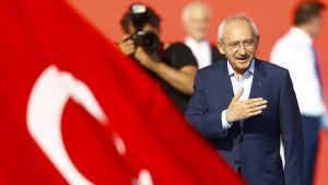 Die AKP macht ihren eigenen Putsch
