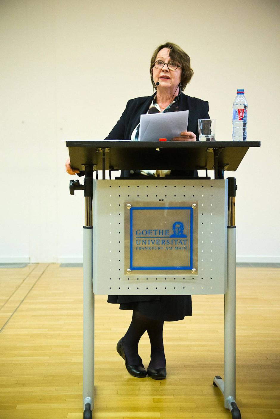 Katja Lange-Müller im Juni 2016 während Ihrer Poetikvorlesung an der Goethe Universität in Frankfurt am Main