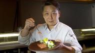 Chefkoch und Geschäftsführer seines Restaurants in Düsseldorf: Yoshizumi Nagaya