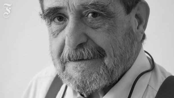 "Rainer René Müller: ""Lirum, larum"""