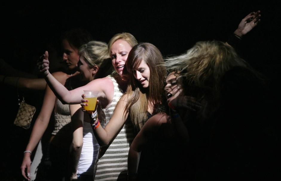 Alkohol und Drogen spielen eine nicht zu unterschätzende Rolle: Studenten während einer Spring Break.