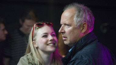 Was hat Rita Holbeck (Elisa Schlott) mit dem Mord zu tun? Kommissar Borowski (Axel Milberg) ermittelt in der Kieler Drogenszene.