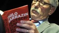 """Spricht so ein """"Biologist""""? Thilo Sarrazin, vertieft ins eigene Werk"""