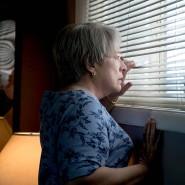 Justiz und Presse ist nicht zu trauen: Kathy Bates als Jewells Mutter.