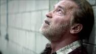 """Schwarzenegger weint - in seinem jüngsten Film, """"Aftermath"""""""