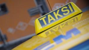 Regierungskritik im Taxi verboten!