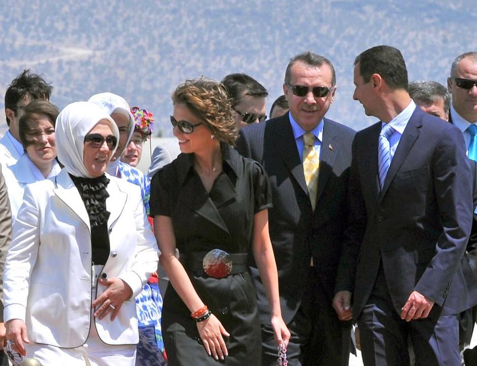 Als sie noch Freunde waren: Die Erdogans und die Assads im August 2008 in Bodrum.