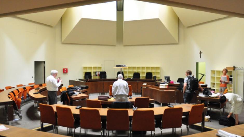 Im Saal A 101 des Münchner Landgerichts wurde schon gegen die Mörder von Walter, den Entführer von Richard Oetker und den Steuerhinterzieher Boris Becker verhandelt. Nun tagte hier das Jugendgericht
