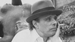 """Thomas Huber liest """"Ohne Titel"""" von Joseph Beuys"""