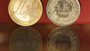 Schweiz erwägt Bindung an den Euro