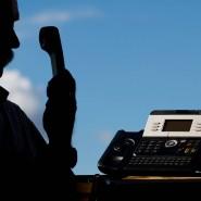 Telefonbetrüger in Bonn haben versucht, mit der Aussicht auf einen Corona-Impfstoff Kasse zu machen.