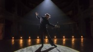 "Kenneth Branagh als der ""Entertainer"""