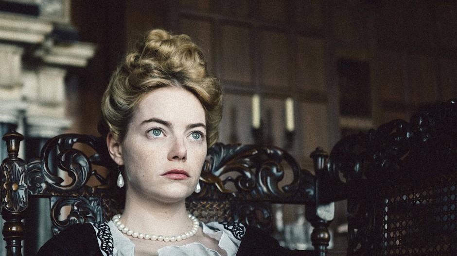 """Für einen Oscar als beste Nebendarstellerin nominiert: Emma Stone in """"The Favourite"""". Der Film geht mit zehn Nominierungen als großer Favorit ins Oscar-Rennen. Er hat zudem Chancen auf Auszeichnungen in den Kategorien Bester Film, Kamera und Regie."""