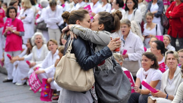 Wenn Frauen Frauen küssen