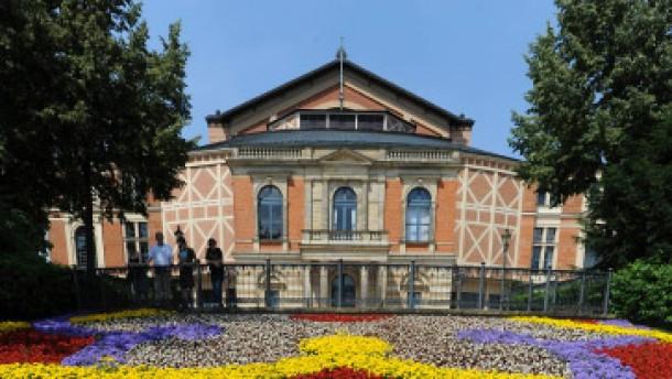 Bayreuth der nimbus muss immer heller strahlen for Depot bayreuth