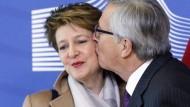 Nein, sie hat keinen anderen, sie hat einfach Stress: Justizministerin  Simonetta Sommaruga und Jean Claude Juncker.