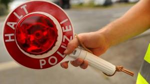 Falschfahrer verursacht Unfall nach zehn Kilometern Irrfahrt