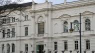Hier wird nicht nur Wissenschaft betrieben, sondern auch Politik gemacht: das Portal der Leopoldina in Halle.