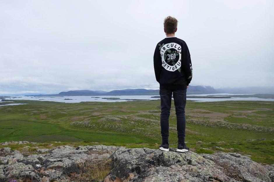 Der Helgafell ist nicht zu übersehen: Ein einsamer Huckel, der sich nahe der Hafenstadt Stykkishólmur aus der Ebene reckt.