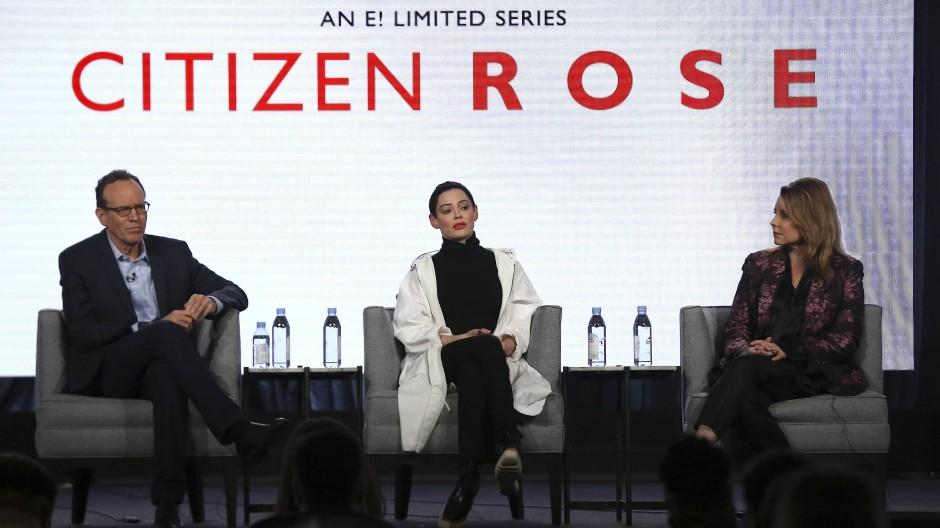 """Mit der Welt im Gespräch sein: Rose McGowan und die Produzenten der Show """"Citizen Rose""""."""