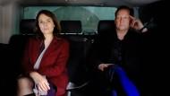 Assoziieren sich filmhistorisch in Richtung Lösung: Constanze Hermann (Barbara Auer) und Hanns von Meuffels (Matthias Brandt)