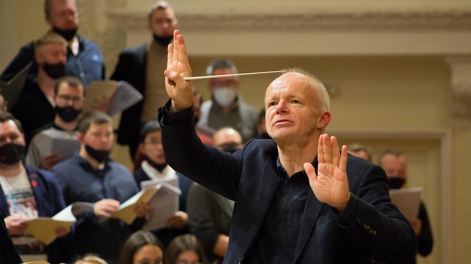 Thomas Zehetmair dirigiert Beethovens Neunte.