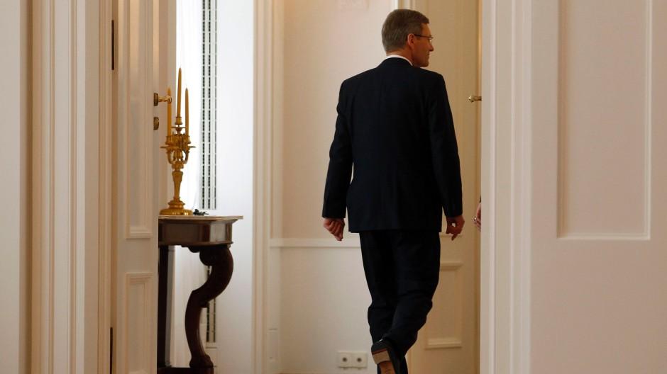Am 17. Februar 2012 trat Christian Wulff als Bundespräsident ab. Vielleicht tritt er als er selbst wieder auf.